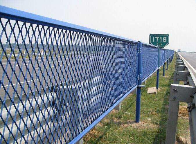 铁丝网围栏的广泛用途