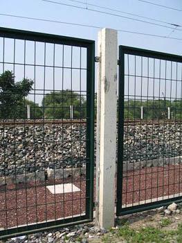 体育场围网又叫体育场围栏、体育场护栏网