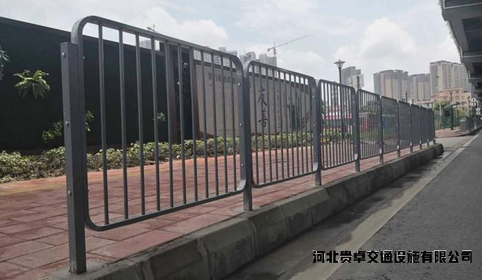 深标港式护栏